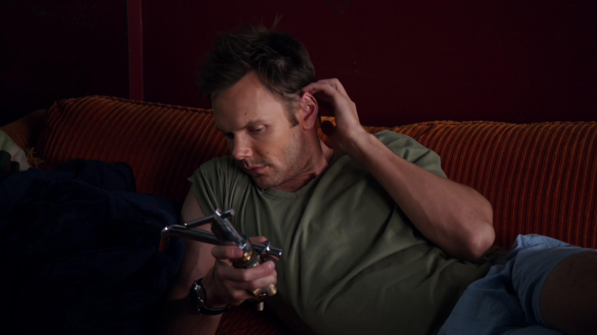 File:1x08-Jeff Italian Faucets.jpg
