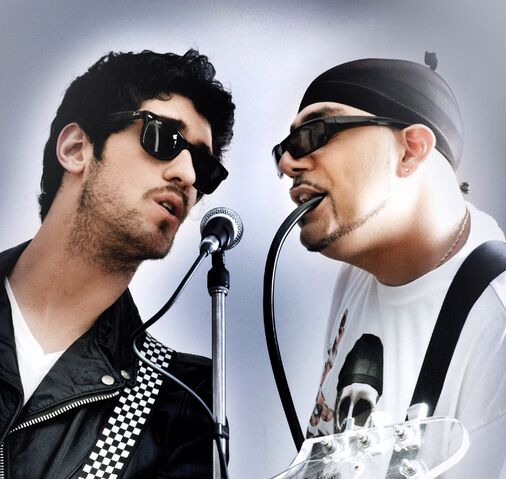 File:Chromeo.jpg