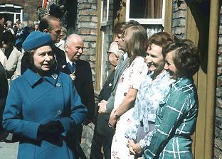 File:1982set royal.JPG