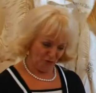 File:Wedding Shop Assistant.JPG
