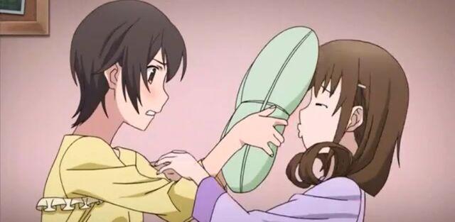 File:Naomi-seiko-pillow-2.jpg