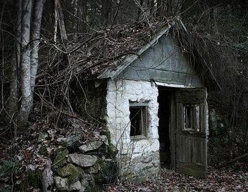File:House in woods2.jpg