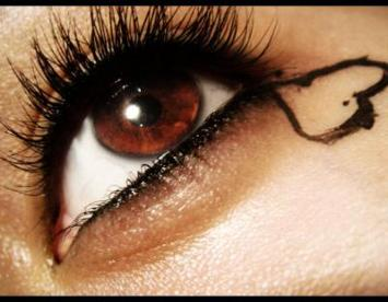 File:Make up tips for brown eyes-1.jpg