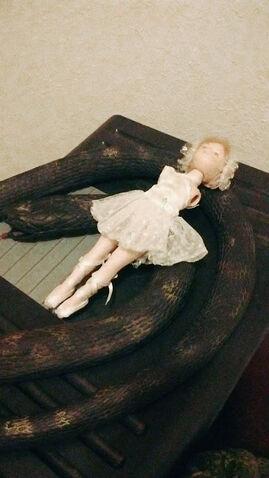 File:Armless Ballerina and Snake.jpg