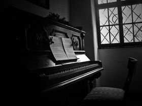 Old-piano