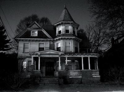 Creepy-Houses-04