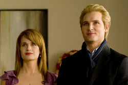 Carlisle and Esme New Moon.jpg