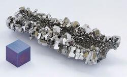 Niobium crystals and 1cm3 cube