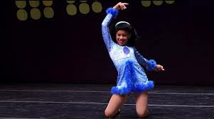 Nia-Frazier-Performing-I-Like-The-60-s-dance-32540525-301-168