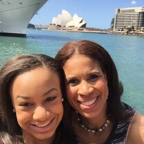 Nia and Holly that Sydney opera house or whatevs