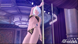 Pole Dancing Christie