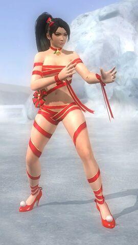 File:DOA5U costume xmas 2014 Momiji 25.jpg
