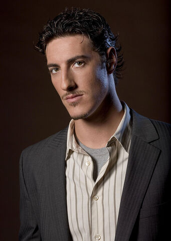 File:Eric Balfour as Draven Lyons.jpg