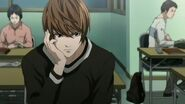 10-light-ponders-death-note