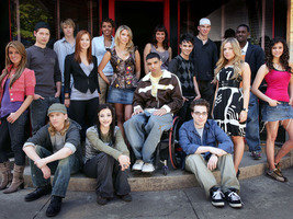 File:Cast-of-degrassi-the-next-generation-0.jpg