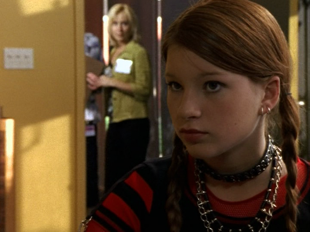 File:Ellie and Caitlin.png