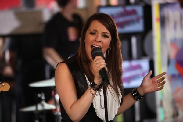 File:Jane singing.jpg