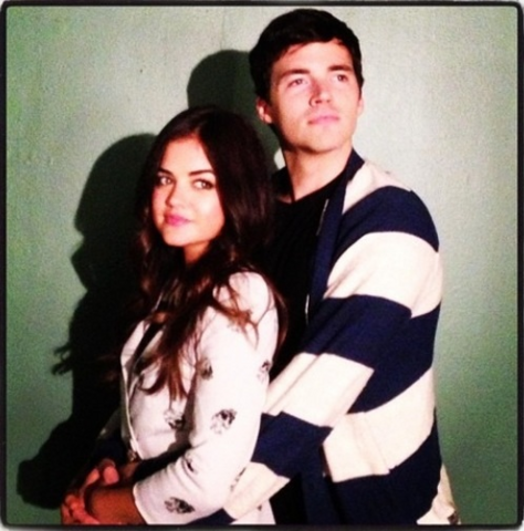 File:Ezria hold.png