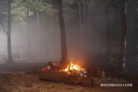 File:The Fire Where Jake & Alli Kiss.jpg