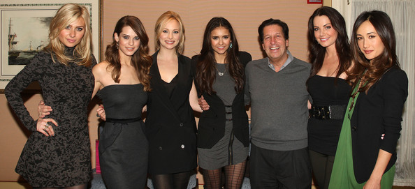 File:Maggie+Q+Nina+Dobrev+CW+2011+Winter+TCA+Party+cl8HjhnyT1Xl.jpg