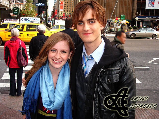 File:Charlotte and landon nyc.jpg