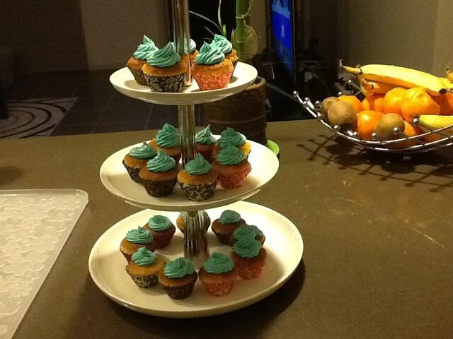 File:Coconutcupcakes.jpg