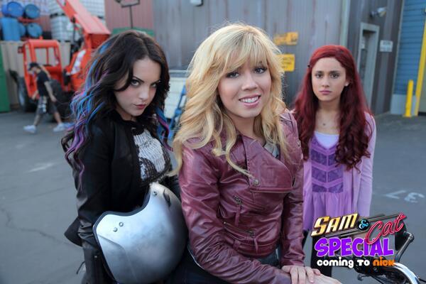 File:Sam, Cat, and Jade.jpg