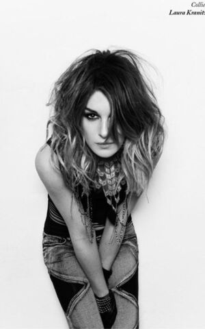File:Shenaegrimes blk&white model photo.jpg