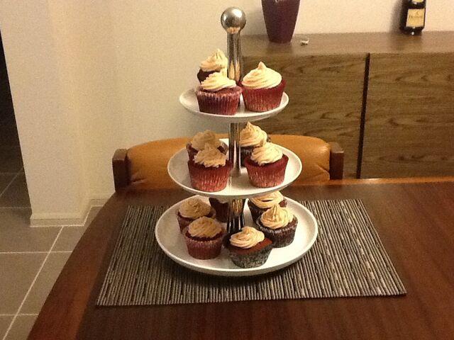 File:Redvelvetcupcakes.jpg