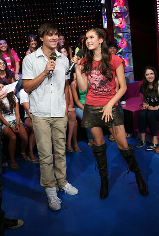File:MTV+TRL+Present+Jonas+Brothers+Cast+American+yhwOaJ-4xx0l.jpg
