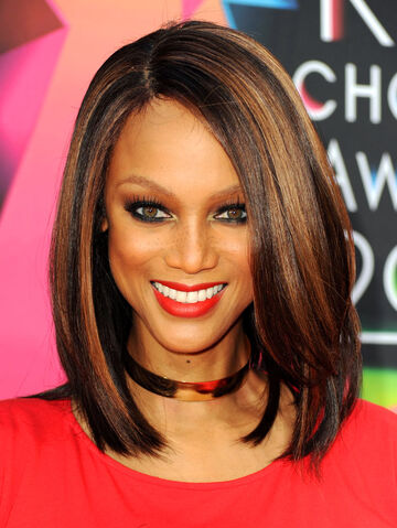 File:Tyra-banks-kids-choice-awards-706kb081110.jpg