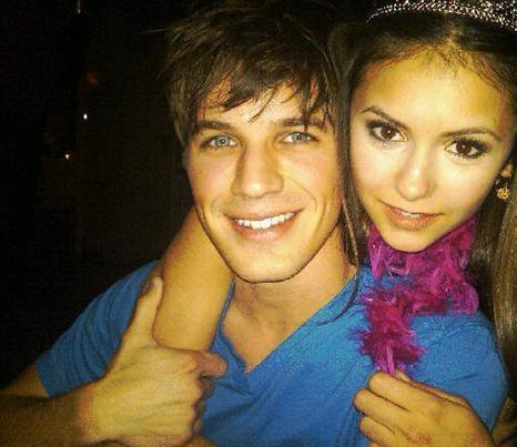 File:Matt-lanter-and-nina-dobrev-gallery.jpg