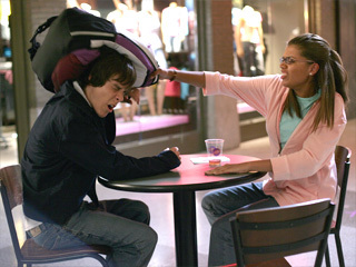 File:Fights-degrassi-43426 320 240.jpg