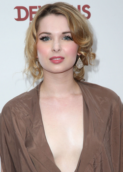 Kirsten Prout Devious Maids Wiki Fandom Powered By Wikia