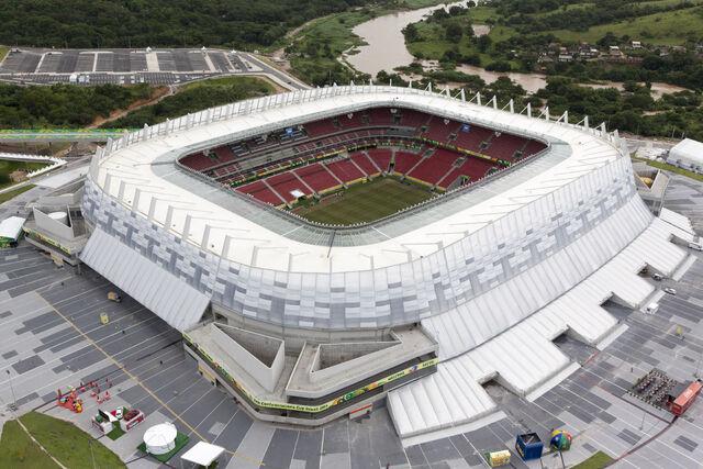 Datei:WM 2014 Stadion (8).jpg