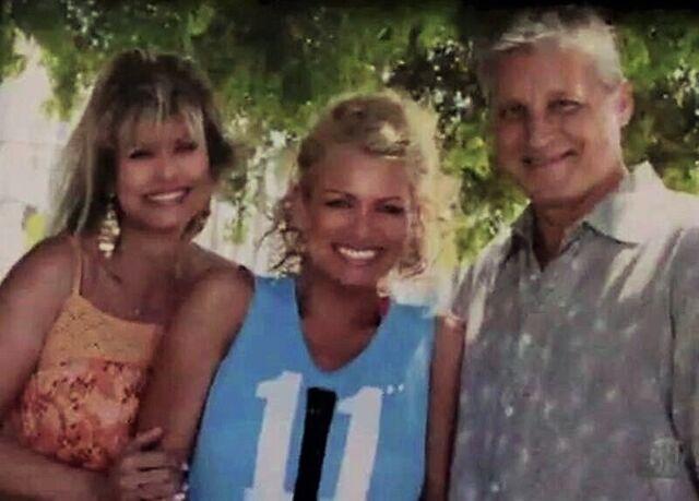 File:Lisa Morton's Famliy.JPG