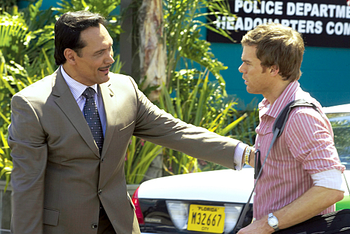 File:Jimmy-Smits-Dexter-Season-3.jpg
