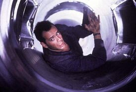 DH2 - John McClane in the Vents