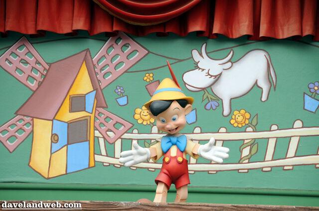 File:Pinocchiosign.jpg
