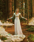 Oz-great-powerful-film-images-costume-designs-130614-09
