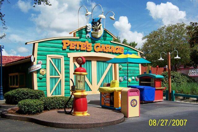 File:Petes garage.jpg
