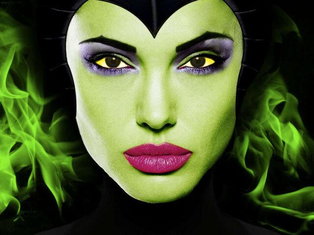 File:Angelina-Jolie-as-Maleficent-disney-19758228-1024-768.jpg