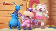 Stuffy, lambie and hallie singing3