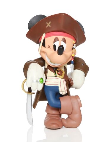 File:Medicom-mickey mouse-jack sparrow-1-ic.jpg