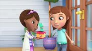 Doc-McStuffins-Season-1-Episode-2-Out-of-the-Box--Run-Down-Race-Car