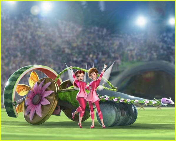 File:Rosetta-and-Chloe-tinker-bell-and-the-pixie-hllow-games-26716692-700-561.jpg
