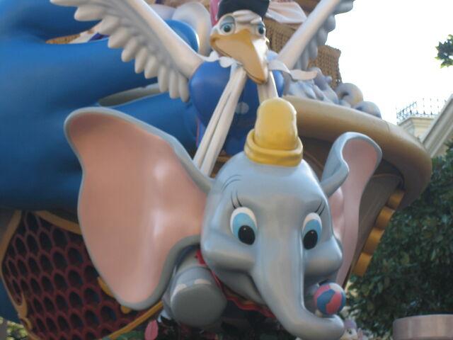 File:Disney 2008 0516.JPG
