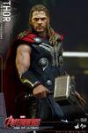 Thor AOU Hot Toys 12