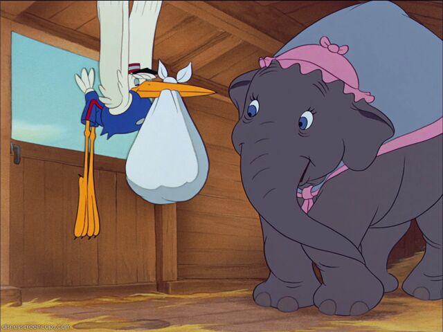 File:Dumbo-disneyscreencaps com-672.jpg