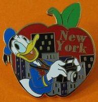 Big-Apple-Donald-Duck